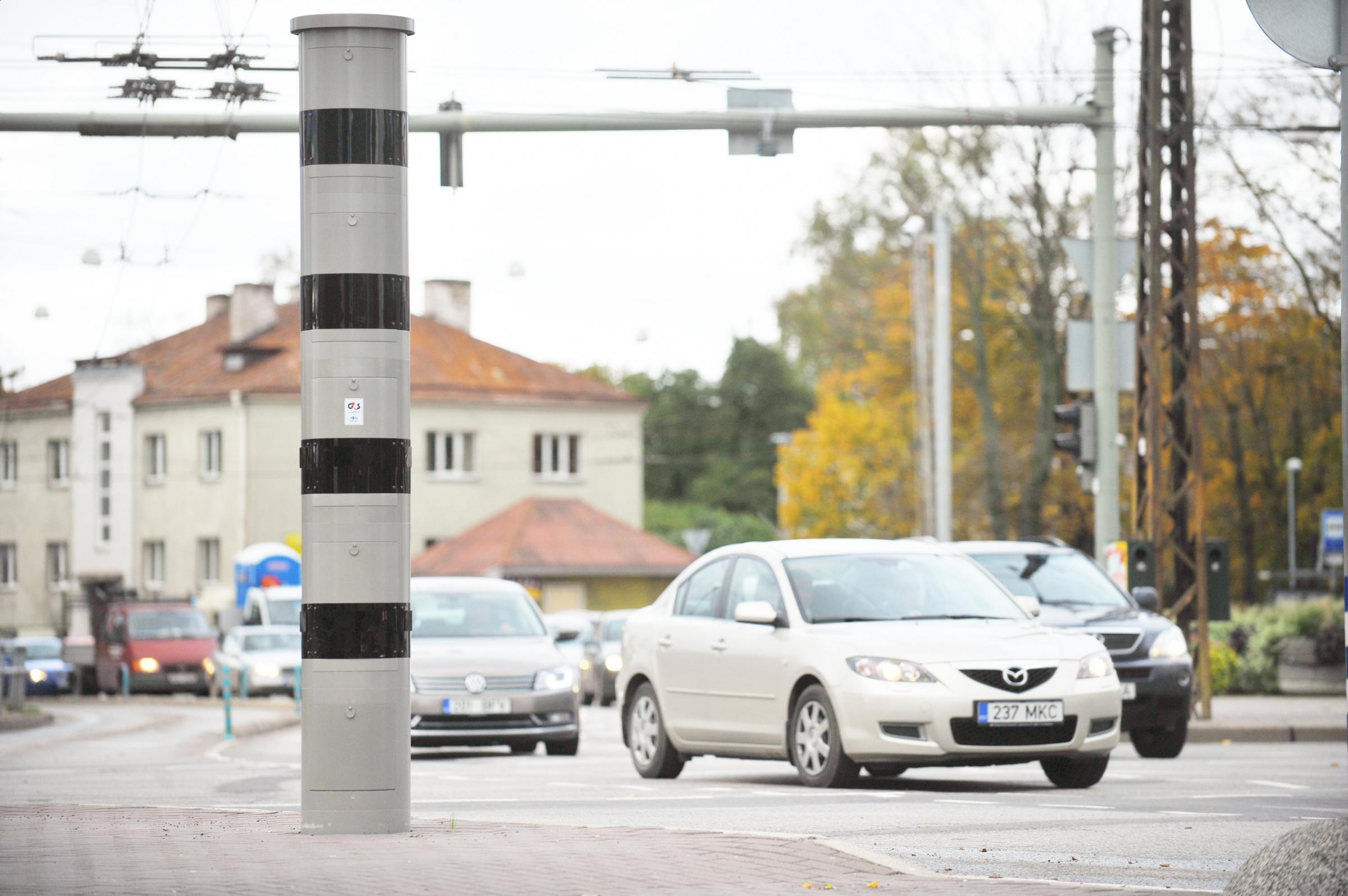 Russalka ristmikule paigaldatakse kiiruskaameraid, aga linn ei ütle, mitu neid tuleb