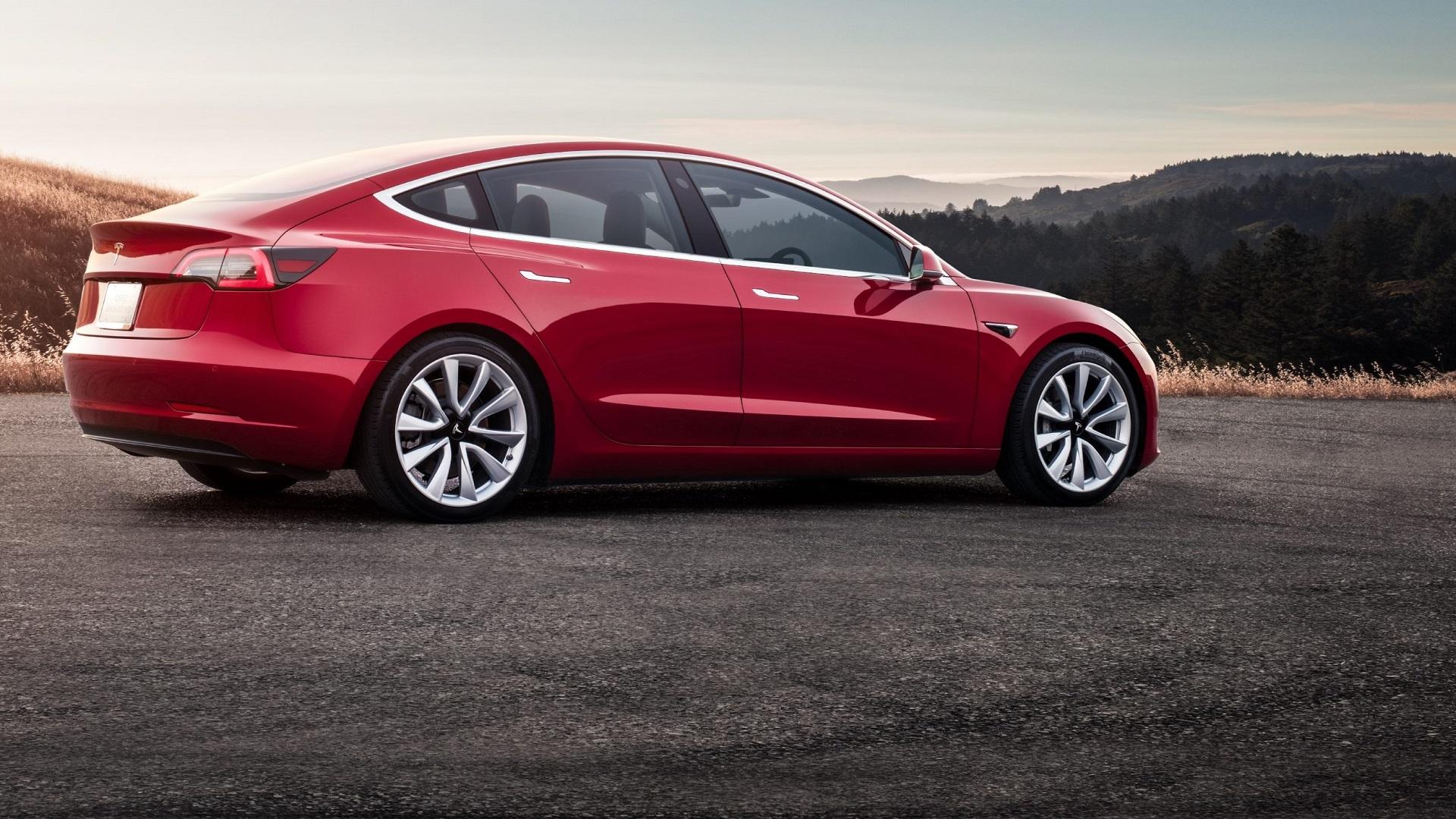 Tesla hakkas lõpuks autosid ka Eestisse müüma