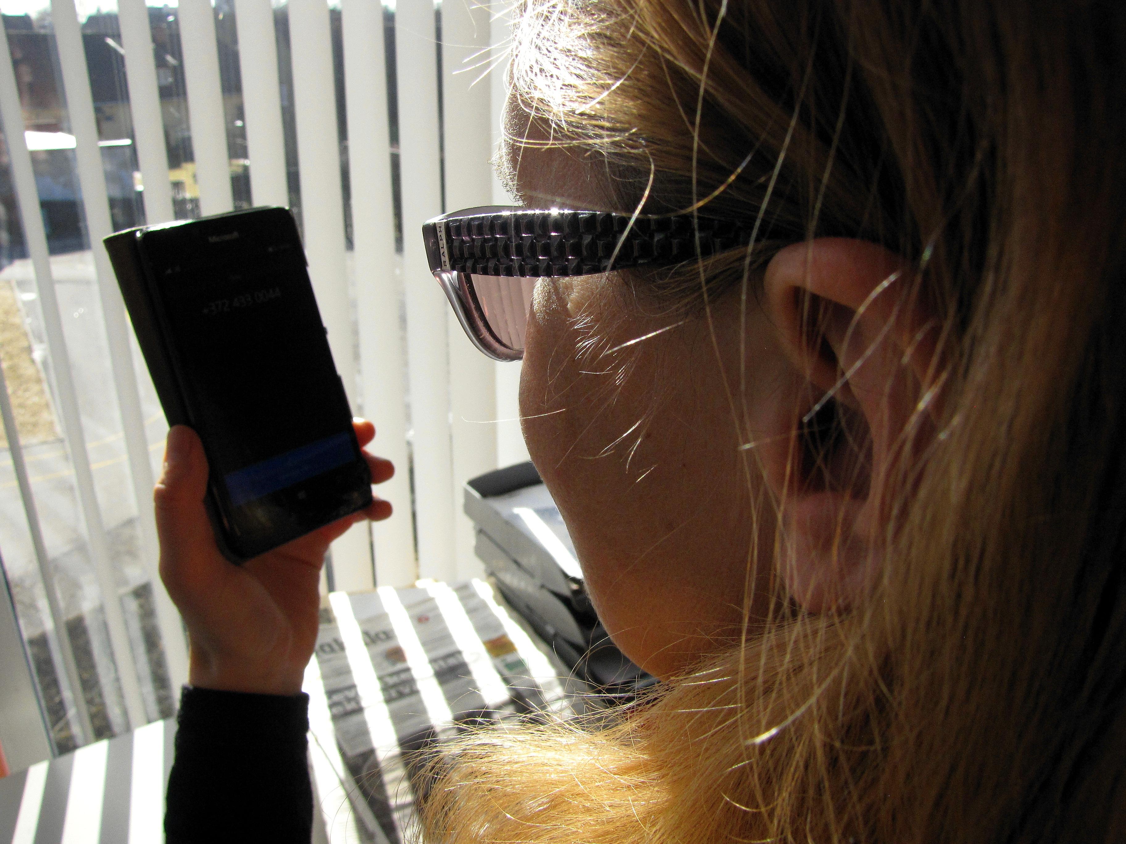 Ootamatu käik: Tele2 blokeerib massilise petukõnede lainega seotud välismaised telefoninumbrid